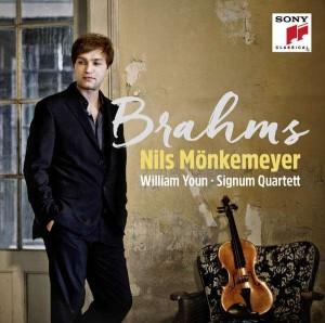 Nils Mönkemeyer Brahms cover Signum 600